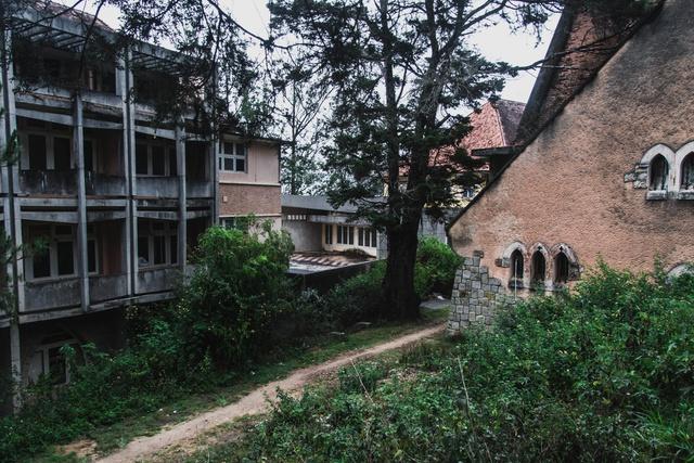 Khám phá những địa điểm bỏ hoang tại Việt Nam như game kinh dị (phần 2): Nhà nguyện Đà Lạt - Ảnh 9.