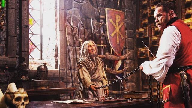 Thành Long từng đối đầu với nhân vật 2 lần đắc cử chức Thống đốc bang California trên phim - Ảnh 1.