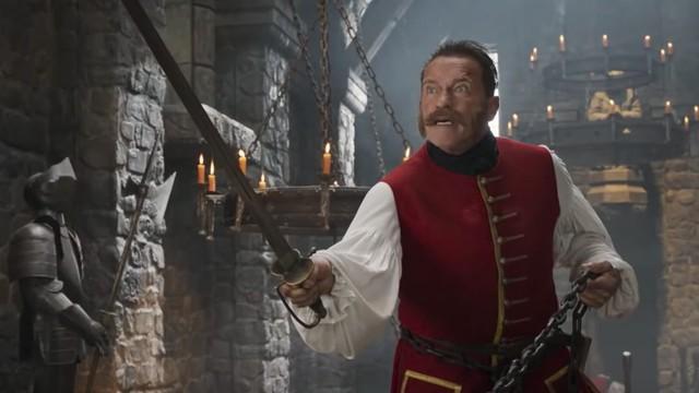 Thành Long từng đối đầu với nhân vật 2 lần đắc cử chức Thống đốc bang California trên phim - Ảnh 3.