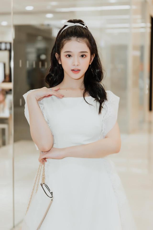 Khoe ảnh mặc áo tắm gợi cảm, Linh Ka được fan vào khen nức nở Tâm hồn to tròn và đẹp quá - Ảnh 6.