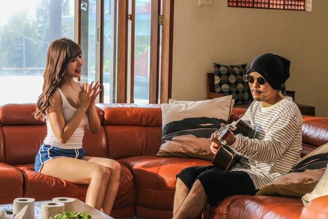 MV mới đạt 2,5 triệu view sau 24h, Yua Mikami gửi lời cảm ơn fan Việt cày view - Ảnh 7.