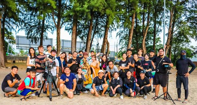 MV mới đạt 2,5 triệu view sau 24h, Yua Mikami gửi lời cảm ơn fan Việt cày view - Ảnh 12.