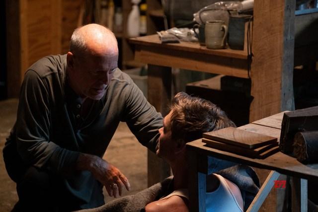 Già gân Bruce Willis trở lại trong tác phẩm hành động, giật gân Đêm Sống Còn - Ảnh 5.