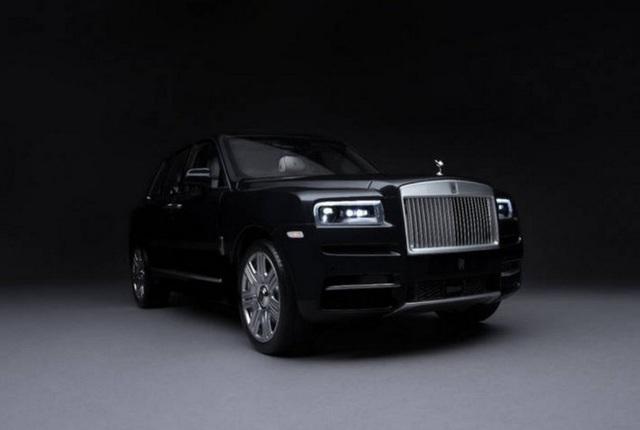 Ngắm Rolls Royce Cullinan phiên bản mô hình có giá sương sương bằng một chiếc xe hơi thật - Ảnh 2.