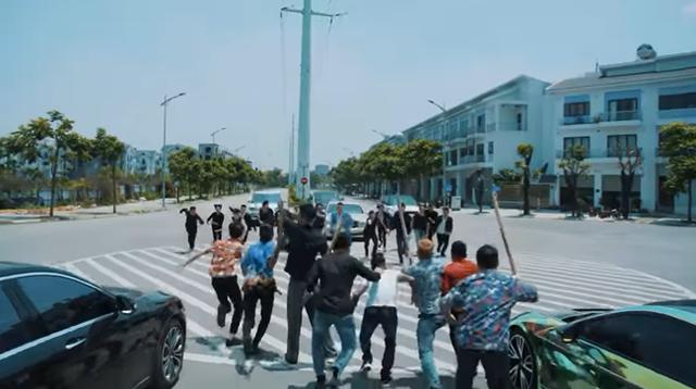 Giang hồ mạng Huấn Hoa Hồng ra MV ca nhạc, hát khuyên mọi người tránh xa cờ bạc nhưng lại quảng cáo cho game đánh bạc online - Ảnh 4.