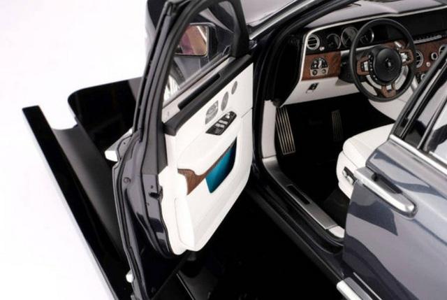 Ngắm Rolls Royce Cullinan phiên bản mô hình có giá sương sương bằng một chiếc xe hơi thật - Ảnh 6.