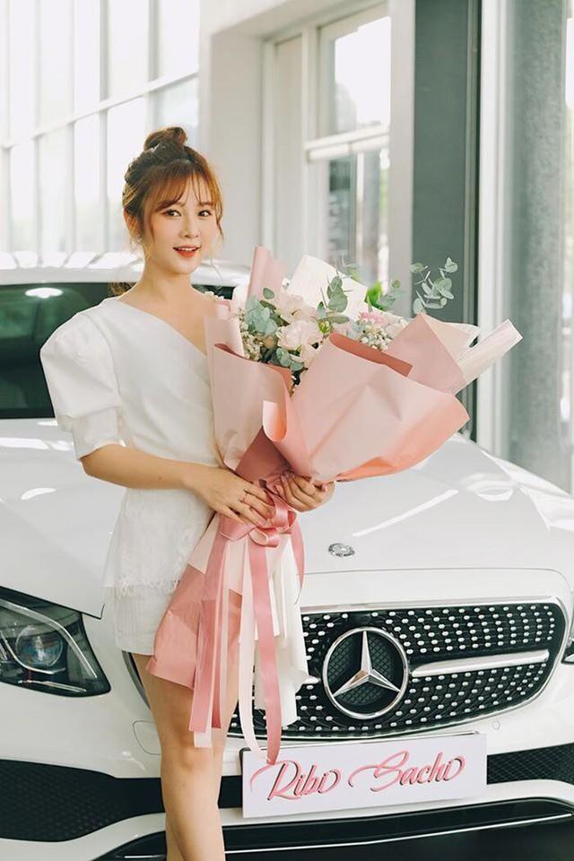 Ribi Sachi, Phi Huyền Trang và những hot girl siêu giàu nổi lên từ các nhóm hài Youtube - Ảnh 4.