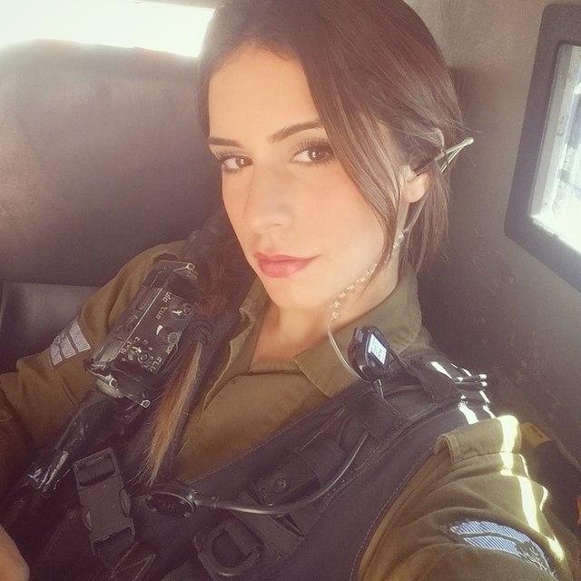 Body căng đét của cực binh sĩ Isarel khiến fan PUBG mê mẩn: Nữ hoàng súng đạn, biểu tượng của nữ quyền - Ảnh 4.