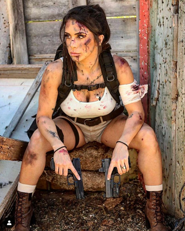 Body căng đét của cực binh sĩ Isarel khiến fan PUBG mê mẩn: Nữ hoàng súng đạn, biểu tượng của nữ quyền - Ảnh 18.