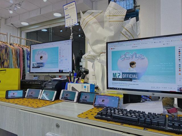 Choáng: YouTuber 9x chi 100 triệu, bao trọn Cyber Game để cày view cho Sếp Tùng - Ảnh 7.
