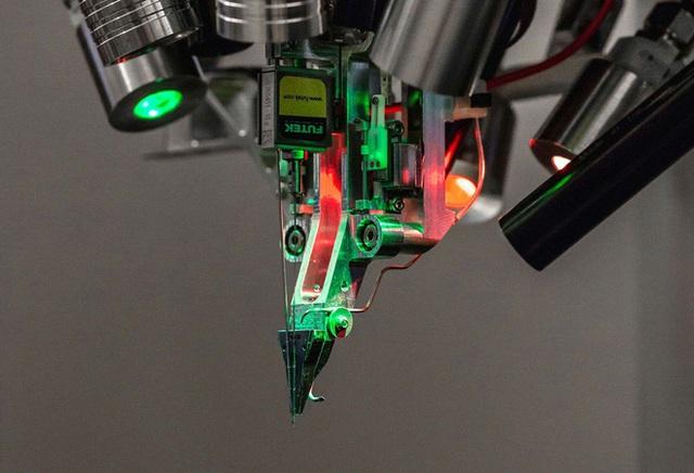 Vào ngày 28/8 tới, con chip máy tính được gắn thẳng vào não bộ do Elon Musk hậu thuẫn sẽ được cập nhật - Ảnh 2.