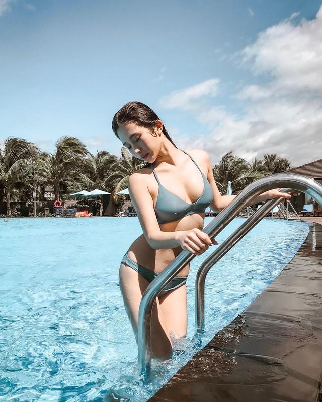 Tung bộ ảnh ở suối nước nóng khiến fan trố mắt, nữ Youtuber xinh đẹp kể lể chuyện khó khăn khi hành nghề ở Nhật Bản - Ảnh 9.