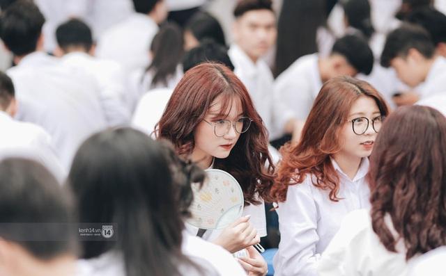 Xuất hiện ngôi trường đánh bại Phan Đình Phùng, Ams, Chu Văn An... vì dàn nữ sinh quá xuất sắc trong lễ bế giảng 2020 - Ảnh 14.