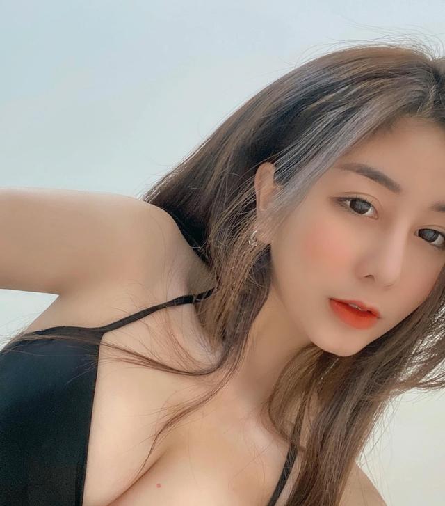 Mặc áo phong cách cắt xẻ và đục khoét, hot girl 2K1 khiến dân tình sục sôi, báo Hàn nức nở khen: Đẹp không góc chết - Ảnh 12.
