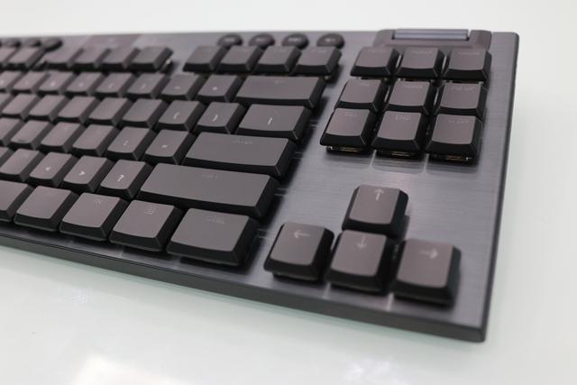 Logitech G913 TKL, bàn phím không dây cao cấp đáng mua cho game thủ trong năm 2020 - Ảnh 3.