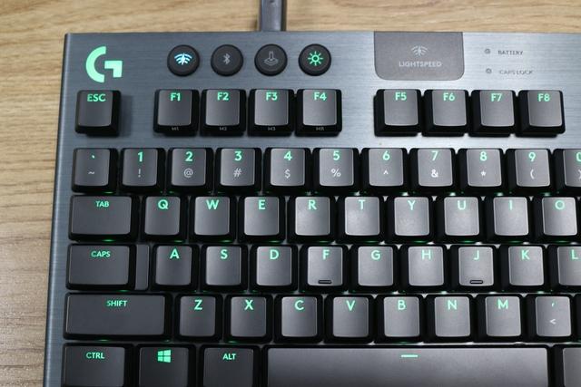 Logitech G913 TKL, bàn phím không dây cao cấp đáng mua cho game thủ trong năm 2020 - Ảnh 8.