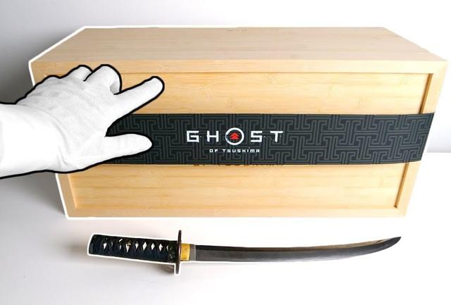 Mở hộp Ghost of Tsushima siêu hiếm, chỉ có duy nhất 100 phiên bản trên thế giới - Ảnh 1.