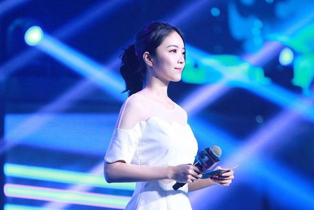 Top 8 nữ MC LMHT xinh đẹp nhất thế giới: LCK có 3 đại diện nhưng vẫn thua hết Minh Nghi! - Ảnh 18.