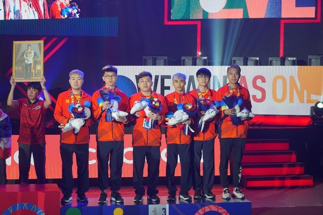 Phản ứng trái chiều của game thủ nước nhà khi SEA Games 31 tại Việt Nam vắng bóng Esports