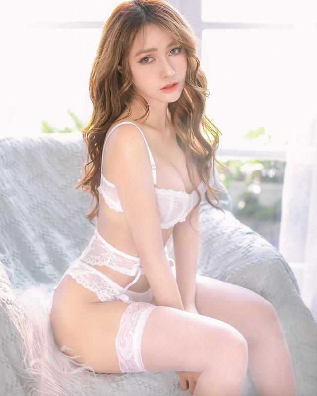 Bất ngờ được báo quốc tế khen ngợi vì quá xinh đẹp và gợi cảm, nàng hot girl Việt bỗng chốc nổi như cồn - Ảnh 3.