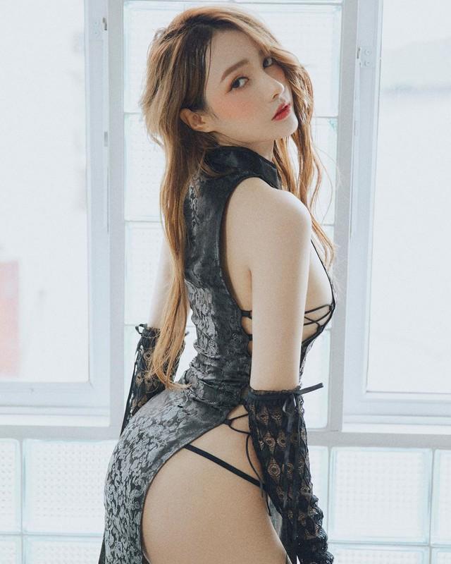 Bất ngờ được báo quốc tế khen ngợi vì quá xinh đẹp và gợi cảm, nàng hot girl Việt bỗng chốc nổi như cồn - Ảnh 13.