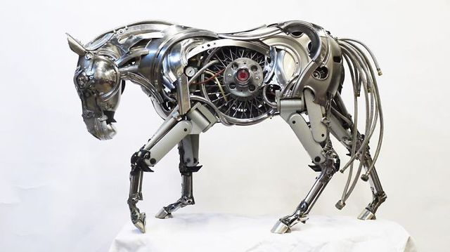 Cận cảnh những mô hình đẹp đến từng chi tiết được làm từ phế liệu, đồ tái chế - Ảnh 4.