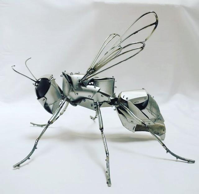 Cận cảnh những mô hình đẹp đến từng chi tiết được làm từ phế liệu, đồ tái chế - Ảnh 6.