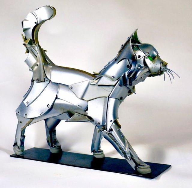 Cận cảnh những mô hình đẹp đến từng chi tiết được làm từ phế liệu, đồ tái chế - Ảnh 9.