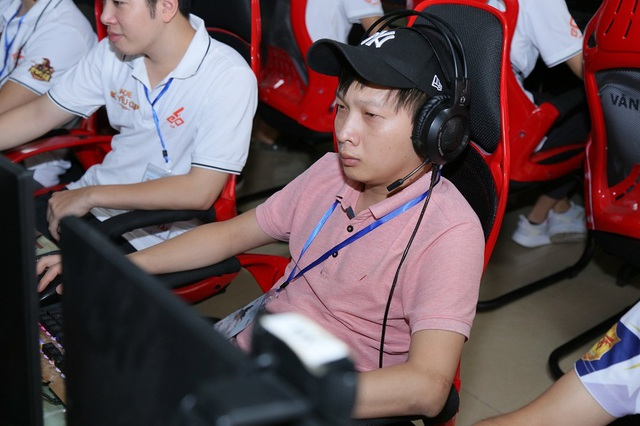 AoE 9Chum All-Star Cup 2020: Viết Cho Chim Sẻ Đi Nắng, người đàn ông và cuộc vui cô đơn - Ảnh 5.