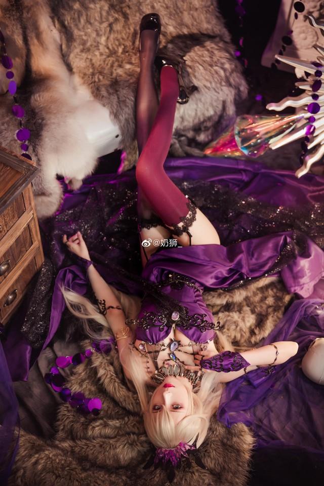 Ngắm mỹ nhân Fate/Grand Order đầy ma mị và quyến rũ qua loạt ảnh cosplay đẹp lung linh - Ảnh 2.