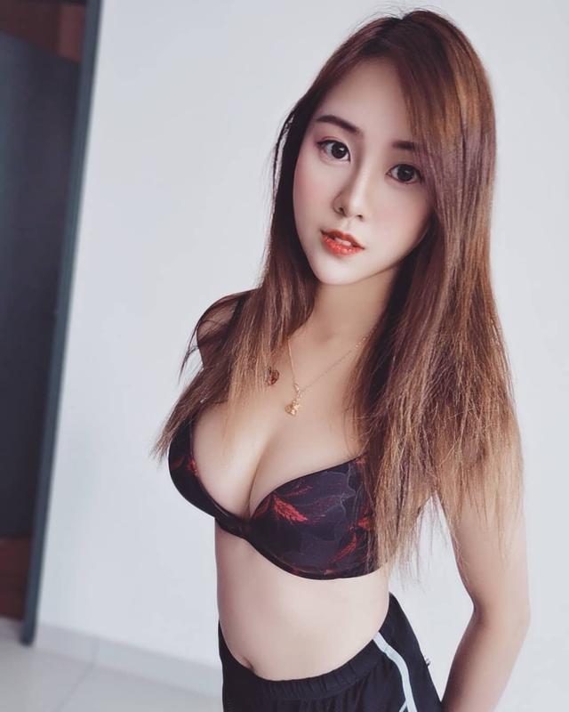 Mặc áo mỏng tang, xuyên thấu đi siêu thị, cô gái xinh đẹp khiến cộng đồng mạng trố mắt, ngỡ ngàng khi thấy nhan sắc thật - Ảnh 10.