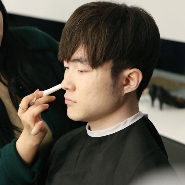 Trưởng bộ phận make up của LCK tiết lộ sự thật về Faker, 100% fan đều không biết - Ảnh 8.