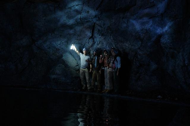 Hung thần dữ tợn nhất của màn ảnh tái xuất trong Black Water: Abyss - Ảnh 5.