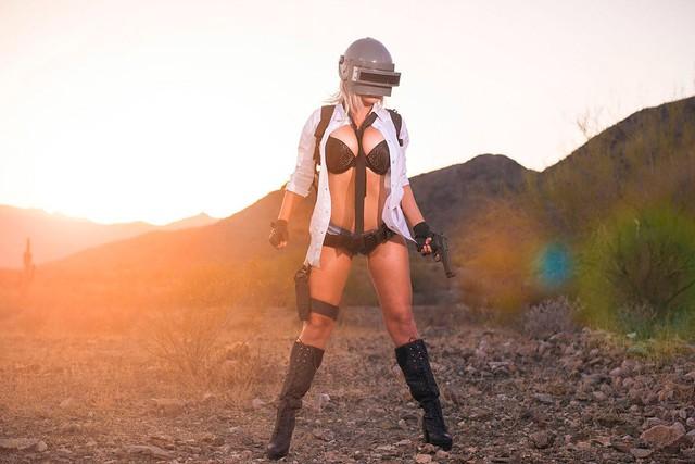 Nóng mắt với bộ ảnh cosplay PUBG toàn xôi với thịt của nữ coser người Mỹ, biết danh tính ai cũng... bật ngửa - Ảnh 12.