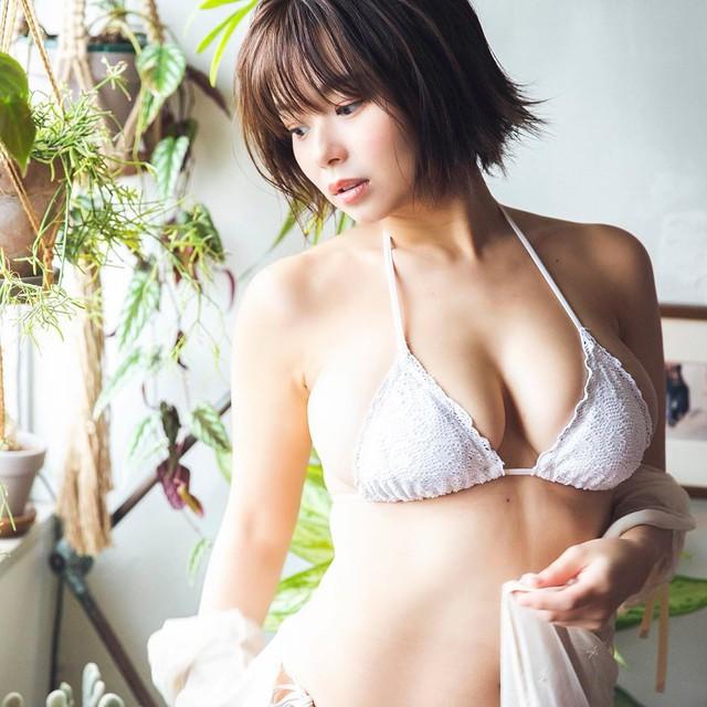 Khoe bộ ảnh quy tụ dàn gái xinh ngực khủng bên suối nước nóng, cô nàng hot girl Nhật bỗng chốc nổi như cồn trên mạng xã hội - Ảnh 6.