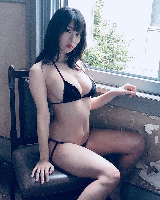 Khoe bộ ảnh quy tụ dàn gái xinh ngực khủng bên suối nước nóng, cô nàng hot girl Nhật bỗng chốc nổi như cồn trên mạng xã hội - Ảnh 8.