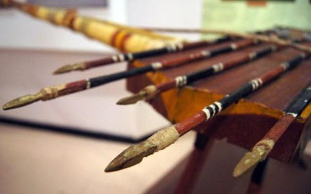 Những loại vũ khí của người Việt cổ khiến kẻ thù khiếp sợ - Ảnh 1.