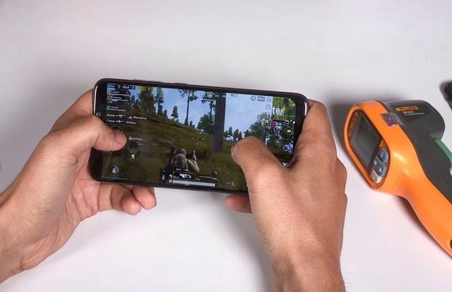 """Top Smartphone chip khỏe, ram nhiều, pin trâu, giá rẻ dành cho game thủ """"tiền ít muốn hít máy thơm"""" - Ảnh 1."""