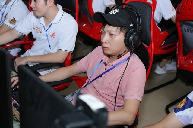AoE 9Chum All-Star Cup 2020: Hoàng Mai Nhi đối đầu Chim Sẻ Đi Nắng, Ông già và biển cả - Ảnh 3.