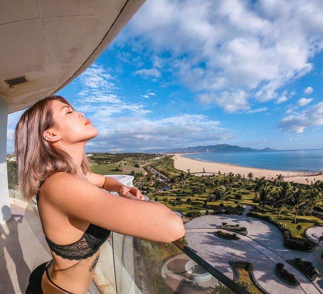 Hot girl siêu vòng 3 thả nhẹ loạt ảnh bikini táo bạo, vườn đào căng mọng khiến 500 anh em Ảnh Kiếm 3D suýt trớ - Ảnh 16.