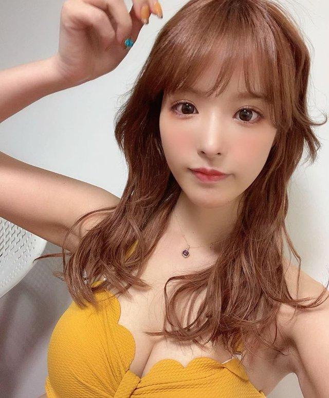 Mỹ nhân 18+ xinh đẹp nhất Nhật Bản bật mí sở thích chơi điện tử, khoe mê tít Kimetsu no Yaiba - Ảnh 3.