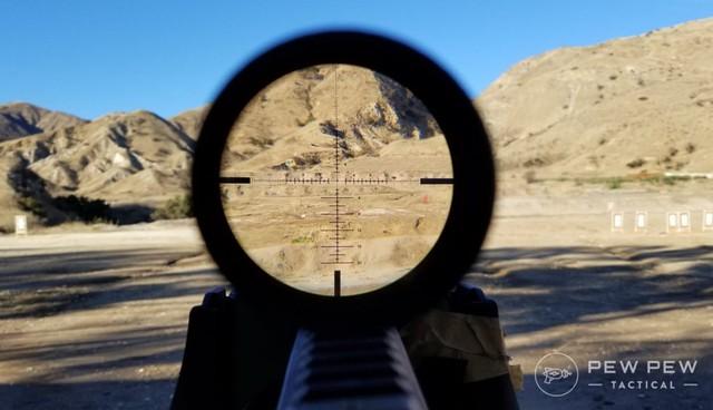 """Những ống ngắm phổ biến trong các game bắn súng """"zoom"""" được bao xa ngoài đời thực? - Ảnh 4."""
