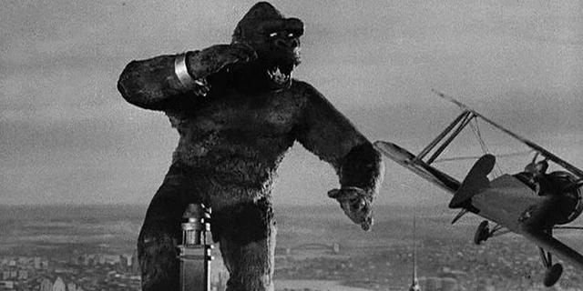 Godzilla đối đầu với King Kong và 5 lý do vì sao mà vua khỉ đột sẽ chiến thắng - Ảnh 2.