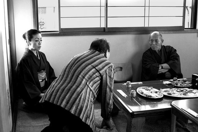 Vén màn cuộc sống của những chị đại Yakuza Nhật Bản: Cái bóng thầm lặng bên cạnh ông trùm, người tần tảo, kẻ khét tiếng - Ảnh 11.