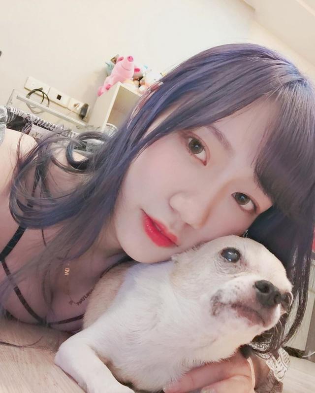 Đăng ảnh check in với chó mèo, nàng hot girl khiến cộng đồng mạng cảm thán Xin được làm thú cưng của cậu - Ảnh 3.