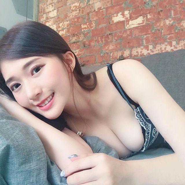 Nhá hàng hình selfie trong siêu thị, nàng hot girl gây sốc cộng đồng mạng, trang cá nhân đã có hơn 3 triệu lượt follow - Ảnh 11.
