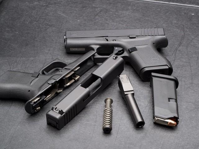 Tại sao súng ngắn Glock lại được chọn làm vũ khí quy chuẩn của đặc nhiệm Mỹ? - Ảnh 1.