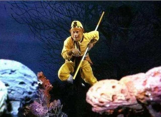 Mỗi lần cần đánh nhau với yêu quái dưới nước, Tôn Ngộ Không đều auto né và lý do cực ít người biết - Ảnh 3.
