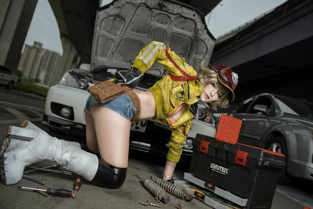 Nóng hừng hực với cô nàng sửa xe Cindy trong Final Fantasy XV - Ảnh 4.