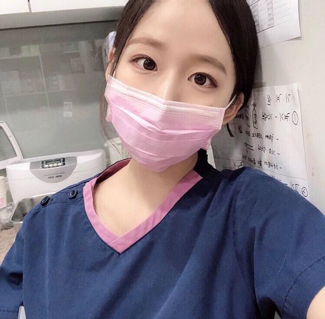 Cởi khẩu trang, cô gái bất ngờ được phong là nha sĩ đẹp nhất Hàn Quốc, cộng đồng mạng khuyên nên bỏ nghề làm hot girl - Ảnh 2.